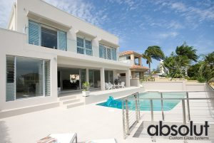 Frameless-Glass-Pool-Fencing-Isle-of-Capri