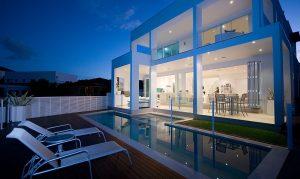 Frameless-glass-pool-fencing-Varsity-Lakes