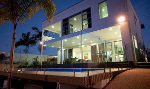Glass-Pool-Fencing-Sanctuary-Cove