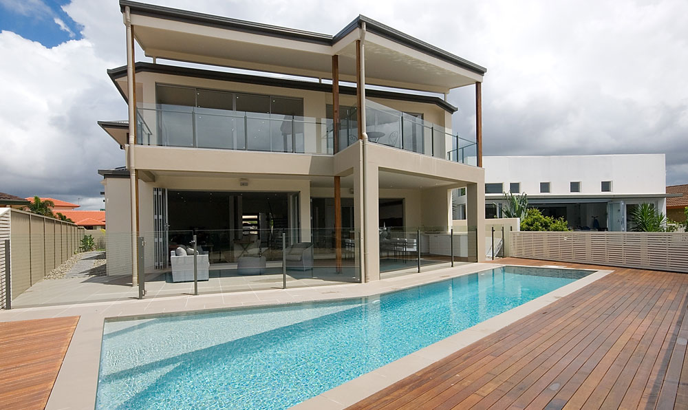 The Benefits of Glass Pool Fencing in Brisbane