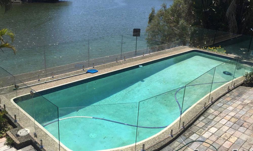Glass Pool Fencing Broadbeach Waters