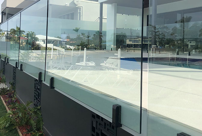 Face Mounted Glass Fencing