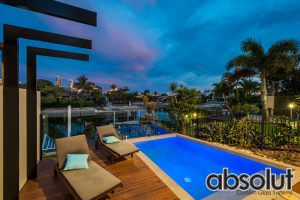 Glass Pool Fencing Broadbeach