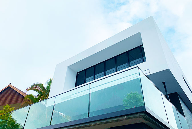 Visible Channel Fix Glass Balustrade