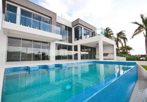 glass-pool-fencing-and-glass-balustrade-project-gallery-Bundall
