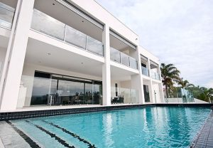 glass-pool-fencing-and-glass-balustrade-project-gallery-Runaway-Bay