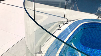 Bent-and-Curved-Glass-Pool-Fencing